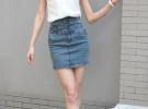 джинсовая юбка и белая майка