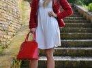 белое платье и красные туфли