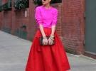 красные туфли с яркой юбкой