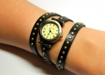 Несколько советов на какой руке носить часы девушкам