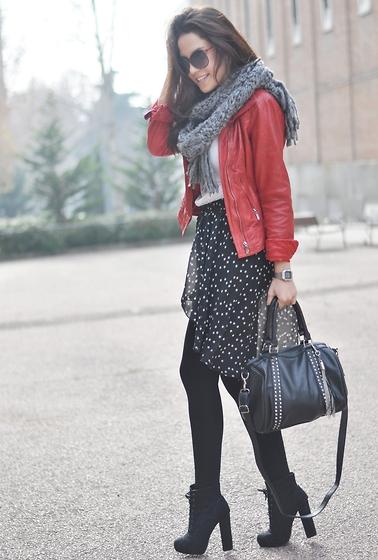 Асимметричная юбка и туфли