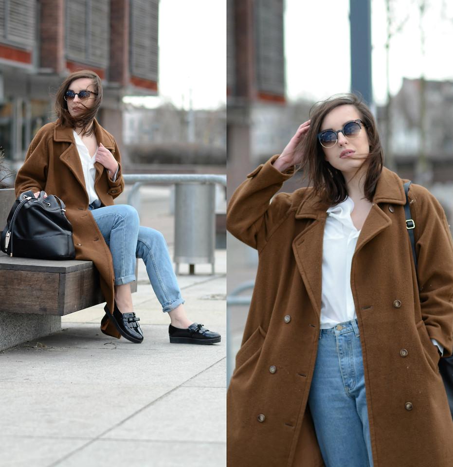 Пальто оверсайз и обувь